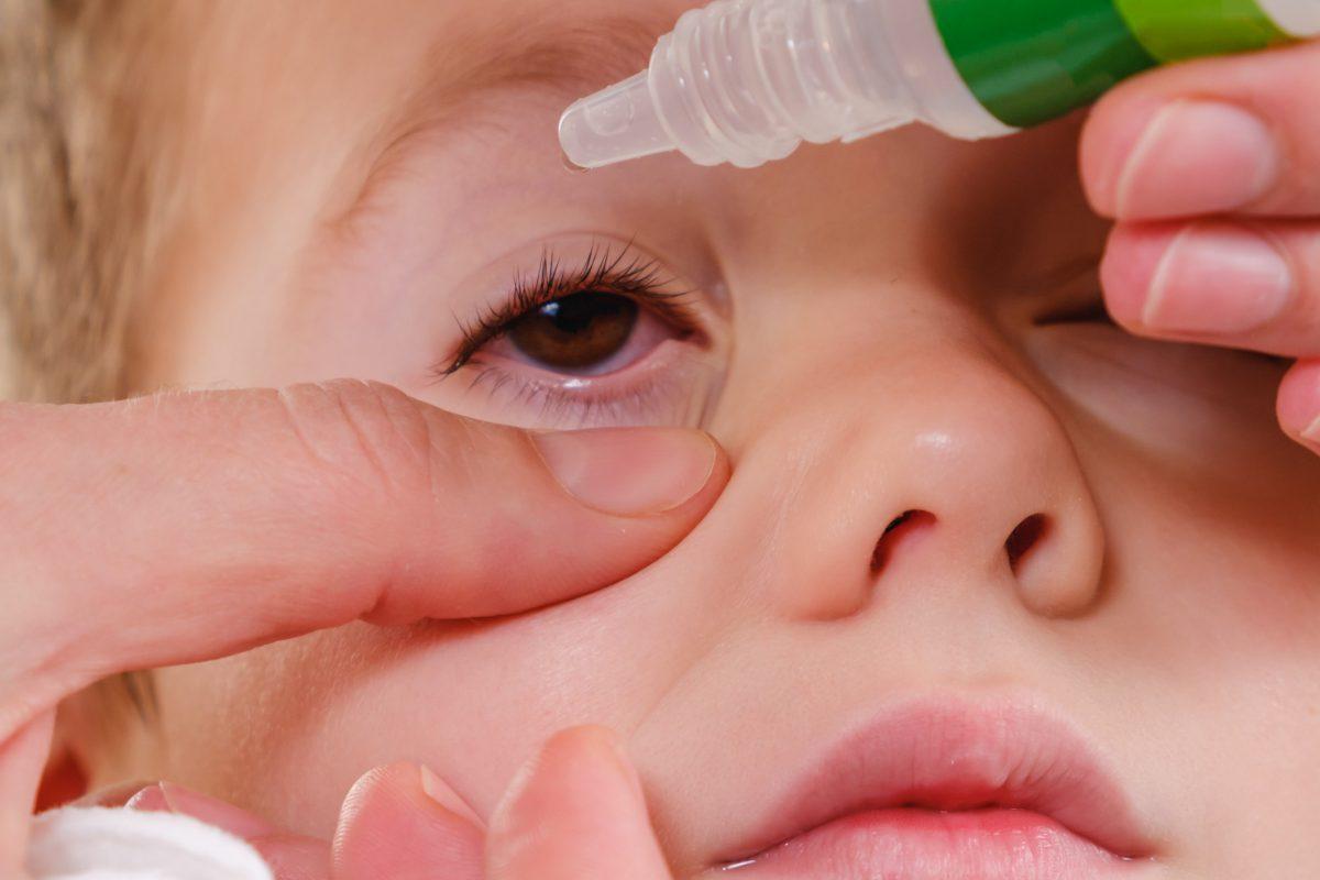 자꾸 눈이 충혈되고 건조하다면 눈 건강의 적신호!
